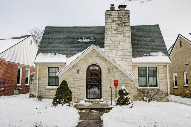 2756 N 73rd St, Wauwatosa, WI 53210 (#1674338) :: RE/MAX Service First Service First Pros