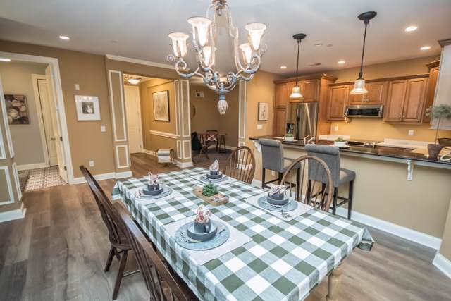 19045 Thomson Dr #102, Brookfield, WI 53045 (#1674379) :: RE/MAX Service First Service First Pros