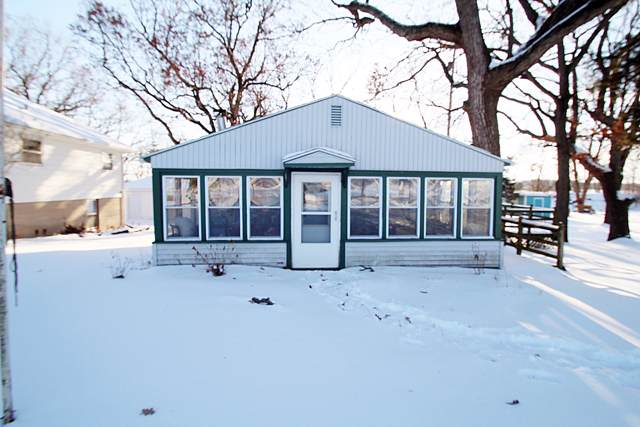 336 Sandy Beach Rd, Lake Mills, WI 53551 (#1674393) :: RE/MAX Service First Service First Pros