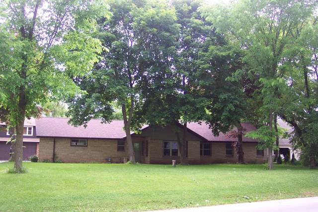 525 Green Bay Rd, Thiensville, WI 53092 (#1675068) :: Tom Didier Real Estate Team