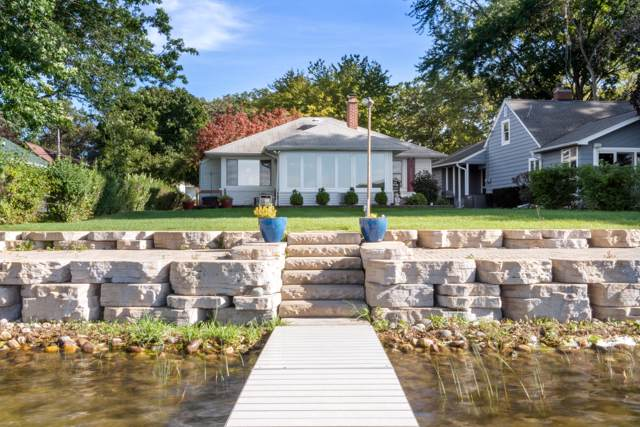 9030 Lake Park Dr, Randall, WI 53159 (#1675107) :: Keller Williams Momentum