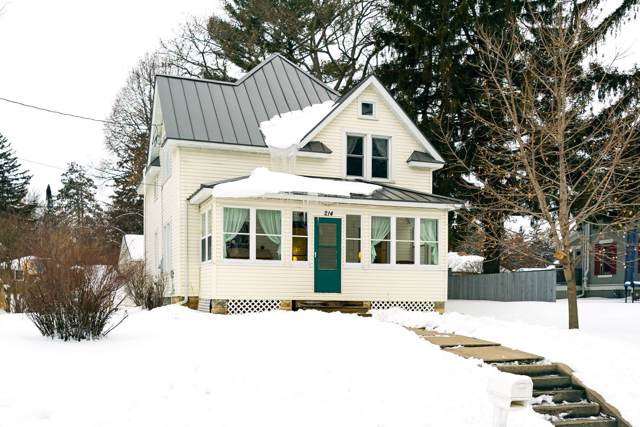 214 Davidson St, Westby, WI 54667 (#1675117) :: RE/MAX Service First Service First Pros