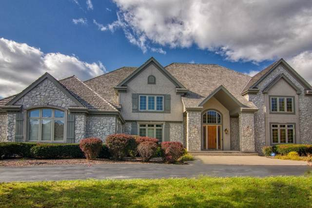 11409 N Justin Dr, Mequon, WI 53092 (#1675305) :: OneTrust Real Estate