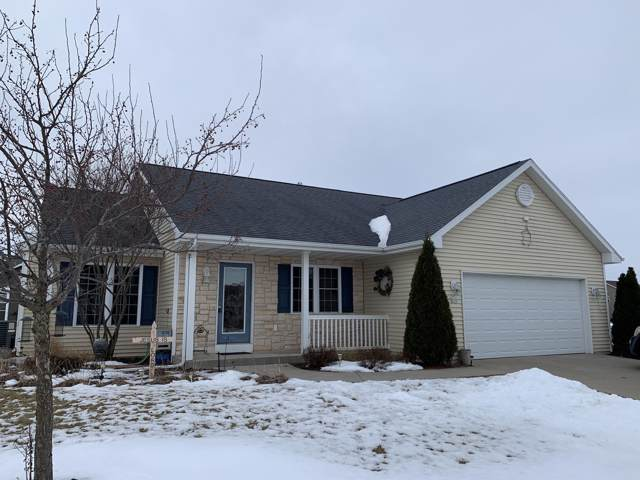 275 E Lakeview Dr, Whitewater, WI 53190 (#1675443) :: Tom Didier Real Estate Team
