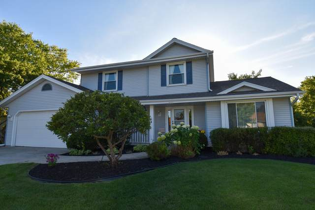 8005 S 47th St, Franklin, WI 53132 (#1675619) :: Keller Williams Realty Milwaukee North Shore