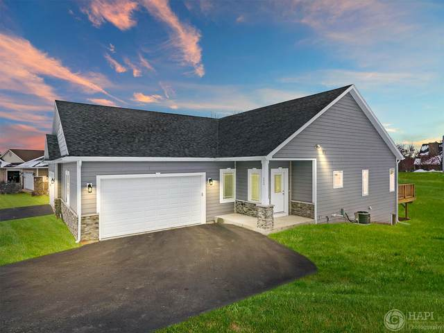 572 Tindalls Nest, Twin Lakes, WI 53181 (#1675638) :: Tom Didier Real Estate Team