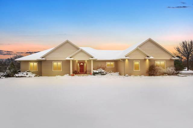 N1582 Meadow Ridge Rd, Greenfield, WI 54601 (#1675747) :: Keller Williams Realty Milwaukee North Shore