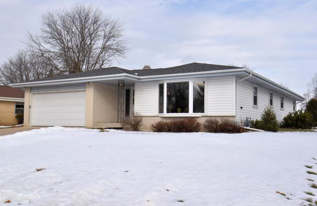6130 Thorncrest Dr, Greendale, WI 53129 (#1675901) :: Keller Williams Realty Milwaukee North Shore