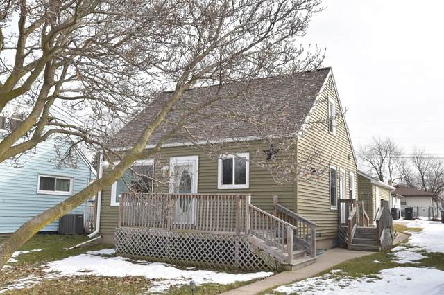 4672 S 47th St, Greenfield, WI 53220 (#1675958) :: Keller Williams Realty Milwaukee North Shore