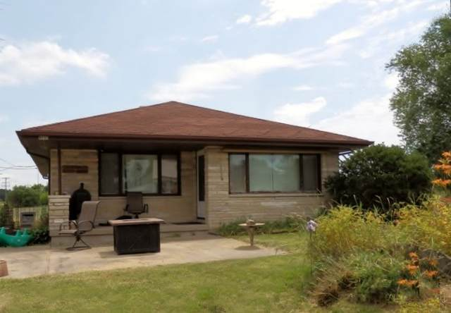 N890 County Road R N894, Lebanon, WI 53098 (#1676014) :: RE/MAX Service First Service First Pros