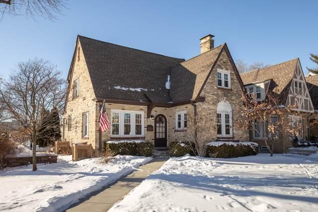 5701 N Bay Ridge Ave, Whitefish Bay, WI 53217 (#1676178) :: Tom Didier Real Estate Team