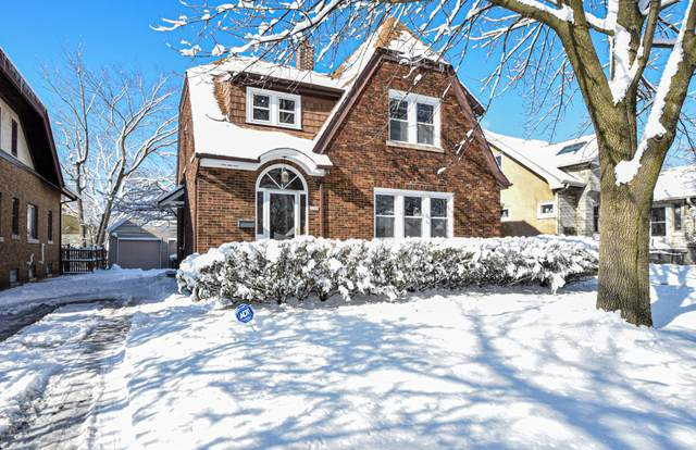 2209 N 60th St, Wauwatosa, WI 53208 (#1676272) :: Keller Williams Realty Milwaukee North Shore