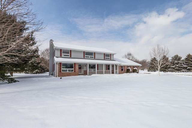 3420 Moraine Valley Dr, Polk, WI 53086 (#1676408) :: Tom Didier Real Estate Team