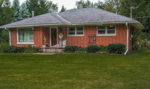 W2135 O Leary Ln, East Troy, WI 53120 (#1676434) :: Keller Williams Realty Milwaukee North Shore