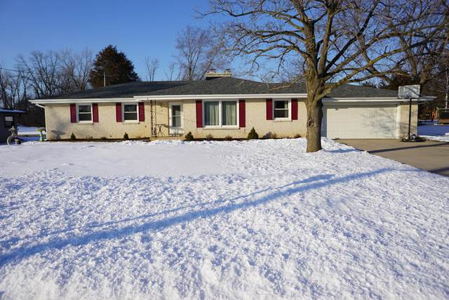 3324 W Franklin Terr, Franklin, WI 53132 (#1676470) :: Keller Williams Realty Milwaukee North Shore