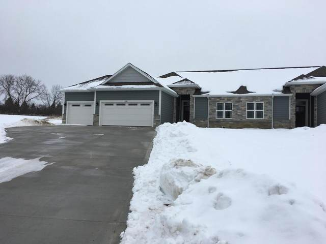 3105 Fairway View Ct, Richfield, WI 53033 (#1676595) :: Tom Didier Real Estate Team