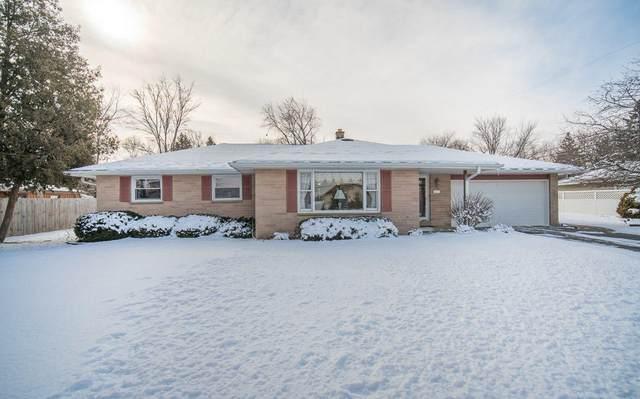 1231 E Fitzsimmons Rd, Oak Creek, WI 53154 (#1676708) :: Keller Williams Realty Milwaukee North Shore