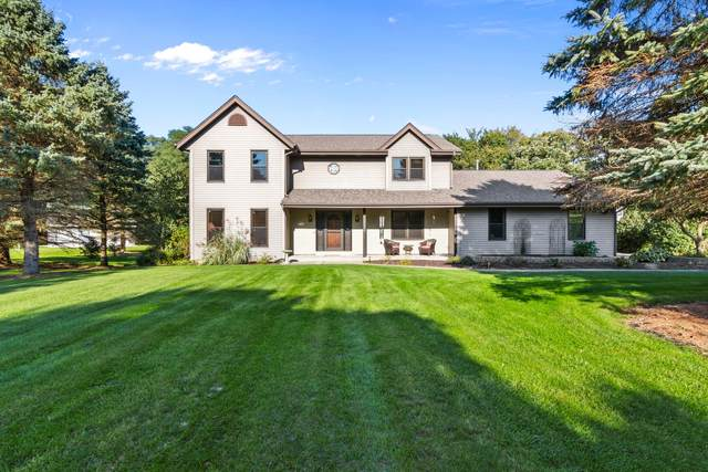 N6W31264 Alberta Dr, Delafield, WI 53018 (#1676739) :: RE/MAX Service First Service First Pros
