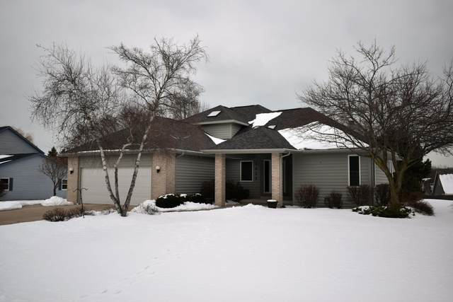 1425 42nd Ave, Somers, WI 53144 (#1676808) :: Keller Williams Momentum