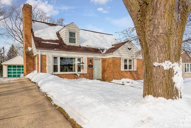 625 Elm St, Hartford, WI 53027 (#1676841) :: Tom Didier Real Estate Team