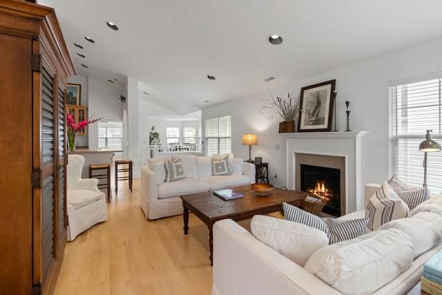402 Abbey Ridge Ct, Fontana, WI 53125 (#1676893) :: NextHome Prime Real Estate
