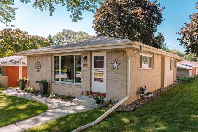 4109 N 96th St, Wauwatosa, WI 53222 (#1676901) :: Keller Williams Realty Milwaukee North Shore