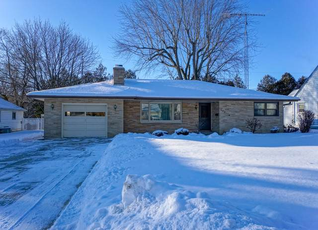 603 Rohda Dr, Waterford, WI 53185 (#1676965) :: Keller Williams Momentum