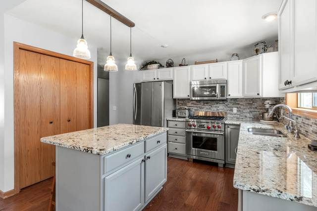 N7458 Grand View Dr, Whitewater, WI 53190 (#1676994) :: Tom Didier Real Estate Team