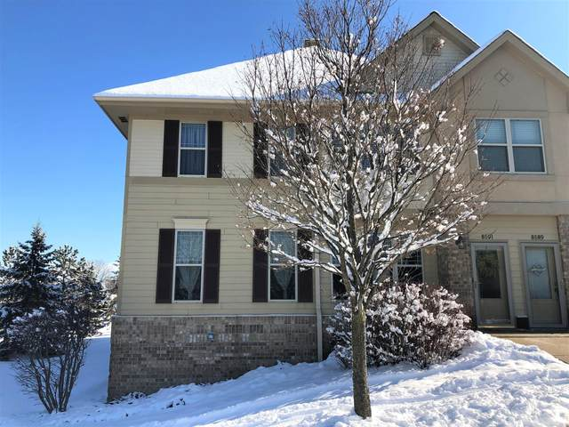 8591 S Deerwood Ln, Franklin, WI 53132 (#1677017) :: RE/MAX Service First Service First Pros