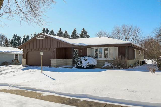1238 Wedgewood Dr, Waukesha, WI 53186 (#1677093) :: Keller Williams Realty Milwaukee North Shore