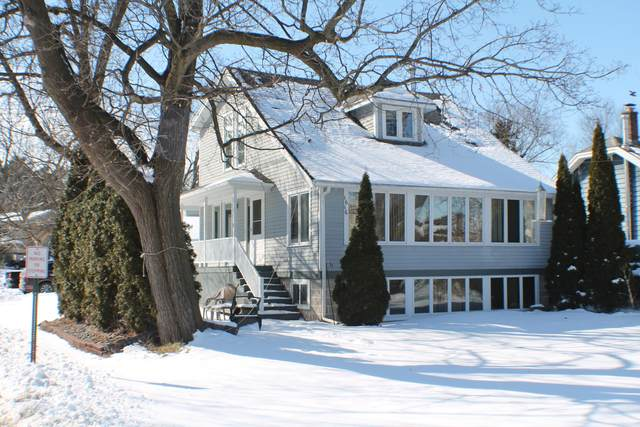 1616 Milwaukee St, Delafield, WI 53018 (#1677115) :: RE/MAX Service First Service First Pros