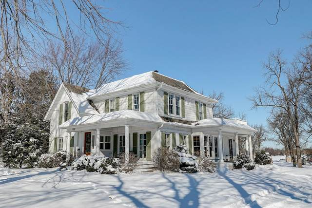 1012 W Wisconsin Ave, Oconomowoc, WI 53066 (#1677124) :: RE/MAX Service First Service First Pros