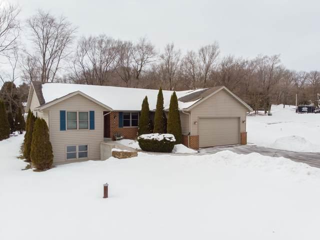 N6677 Laurel Rd, Sugar Creek, WI 53121 (#1677152) :: Keller Williams Realty - Milwaukee Southwest