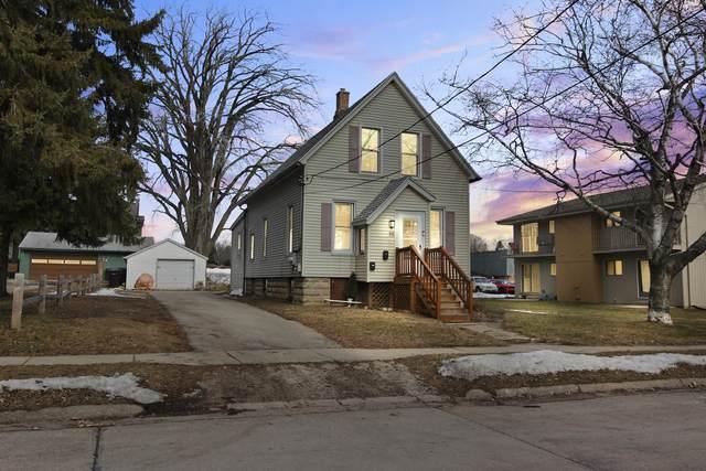 712 Badger Ave, South Milwaukee, WI 53172 (#1677262) :: Keller Williams Momentum