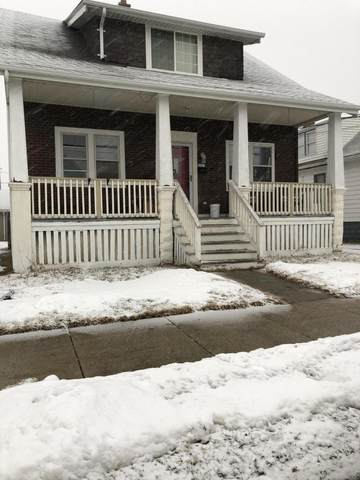 912 Manitoba Avenue, South Milwaukee, WI 53172 (#1677275) :: RE/MAX Service First Service First Pros