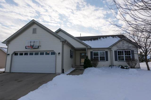 700 S Woodpine Dr, Elkhorn, WI 53121 (#1677294) :: Keller Williams Realty - Milwaukee Southwest