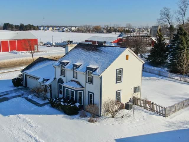 2097 Blackfoot Ave, Grafton, WI 53024 (#1677306) :: Tom Didier Real Estate Team