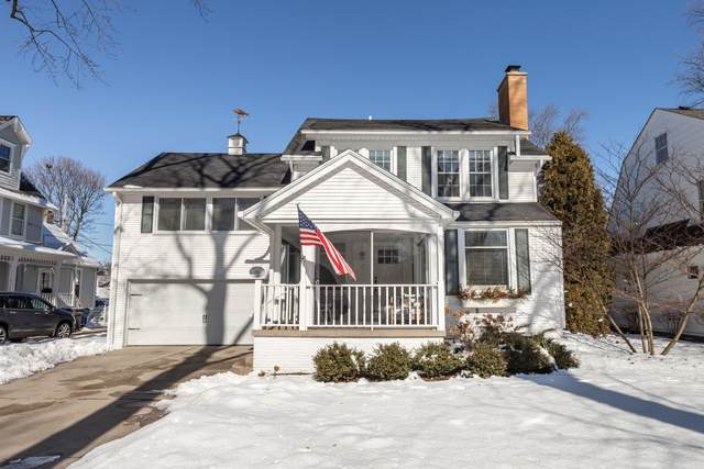 726 E Day Ave, Whitefish Bay, WI 53217 (#1677396) :: Tom Didier Real Estate Team