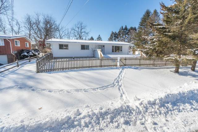 40717 92nd St, Randall, WI 53128 (#1677525) :: RE/MAX Service First Service First Pros