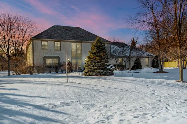 11107 N Wyngate Trace, Mequon, WI 53092 (#1677550) :: RE/MAX Service First Service First Pros