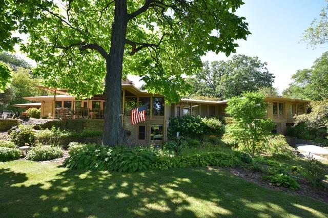 928 14th Ave, Grafton, WI 53024 (#1677619) :: Tom Didier Real Estate Team