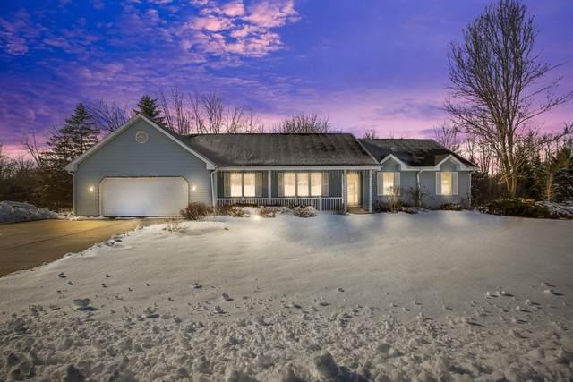 537 Shady Ridge Ct, Grafton, WI 53024 (#1677716) :: Tom Didier Real Estate Team