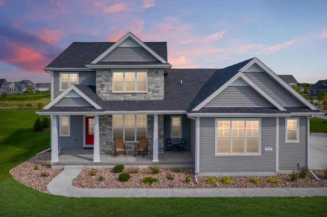 7970 W Mourning Dove Ln, Mequon, WI 53097 (#1677752) :: Tom Didier Real Estate Team