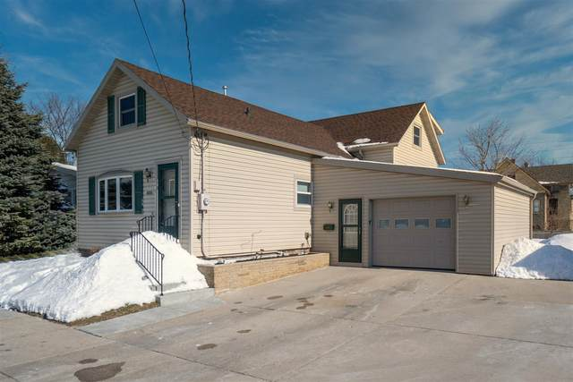 1033 S 20th St, Manitowoc, WI 54220 (#1677814) :: RE/MAX Service First Service First Pros