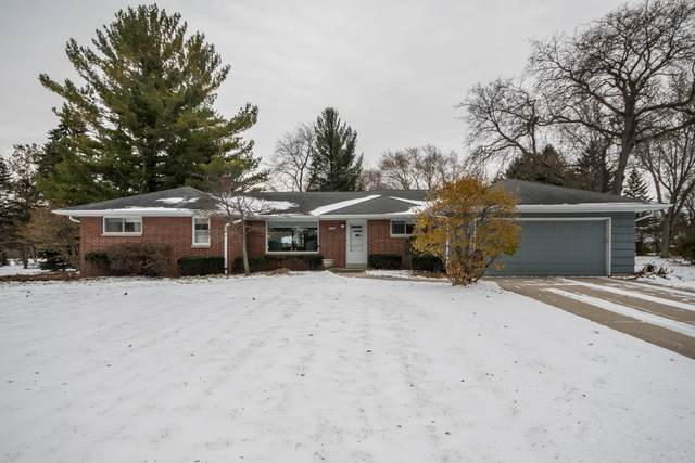 14265 W Glendale Ave, Brookfield, WI 53005 (#1677897) :: Tom Didier Real Estate Team