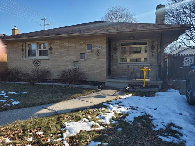 4307 22nd Ave, Kenosha, WI 53140 (#1677901) :: RE/MAX Service First Service First Pros