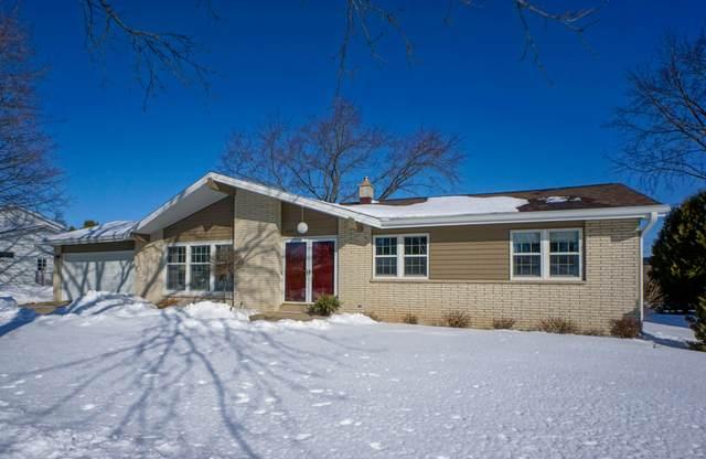 624 Sunset Dr, Hartford, WI 53027 (#1677969) :: Tom Didier Real Estate Team