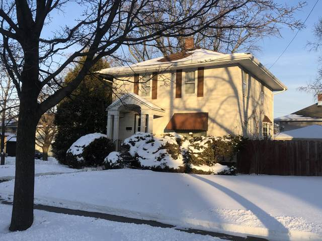 861 N 6th St, Manitowoc, WI 54220 (#1677992) :: RE/MAX Service First Service First Pros