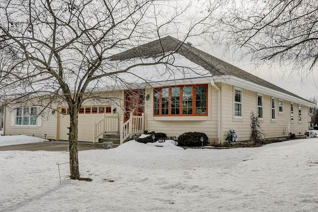 109 W Heilmann Dr, Saukville, WI 53080 (#1678293) :: Tom Didier Real Estate Team