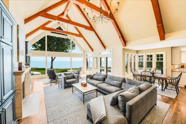7200 N Beach Dr, Fox Point, WI 53217 (#1678857) :: Tom Didier Real Estate Team